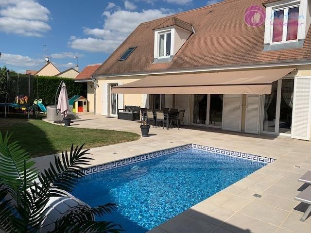 Sale house / villa Lesigny 570000€ - Picture 1