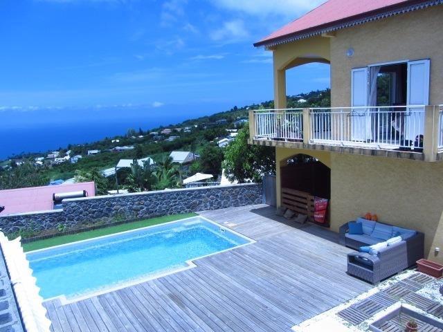 Sale house / villa Les avirons 395000€ - Picture 2