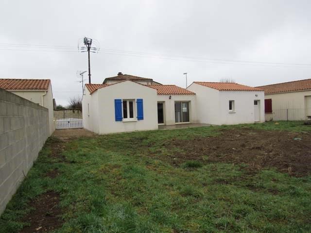 Vente maison / villa Villeneuve-la-comtesse 135900€ - Photo 2