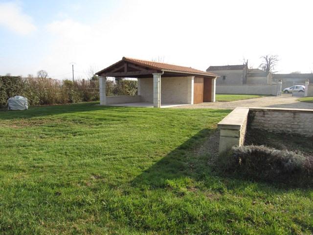 Sale house / villa Saint-jean-d'angély 243800€ - Picture 9