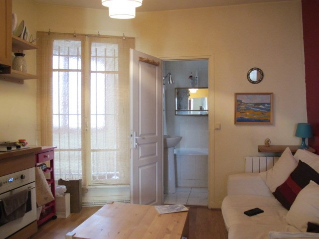 Sale apartment Paris 18ème 270 000€ - Picture 2