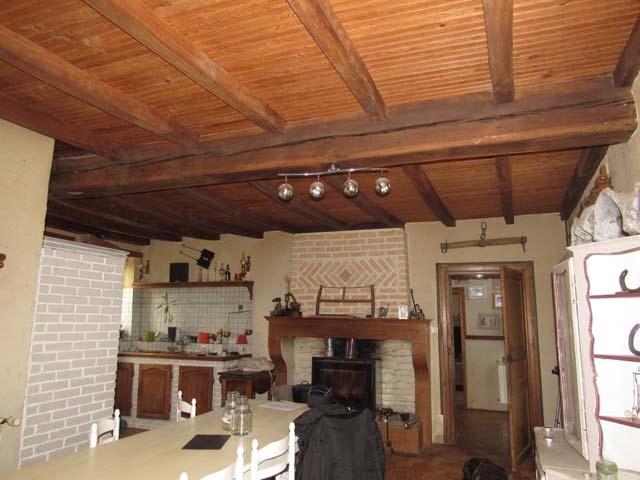 Sale house / villa Saint-jean-d'angély 254400€ - Picture 4