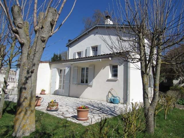 Sale house / villa Saint-jean-d'angély 231000€ - Picture 1