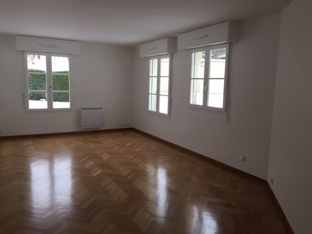 Location appartement Versailles 1 488€ CC - Photo 1