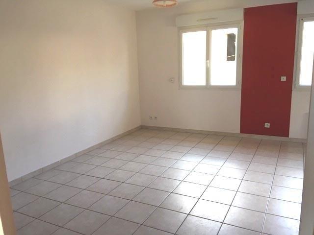 Rental apartment Chavanoz 520€ CC - Picture 2