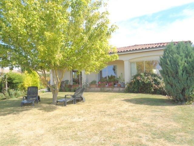 Sale house / villa Saint andre de cubzac 275000€ - Picture 2