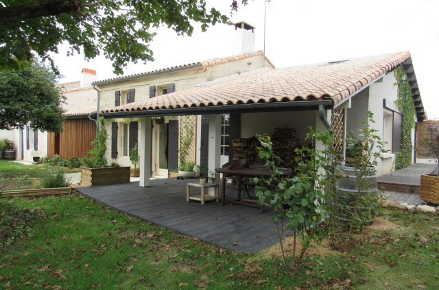 Vente maison / villa Tonnay-charente 274300€ - Photo 2