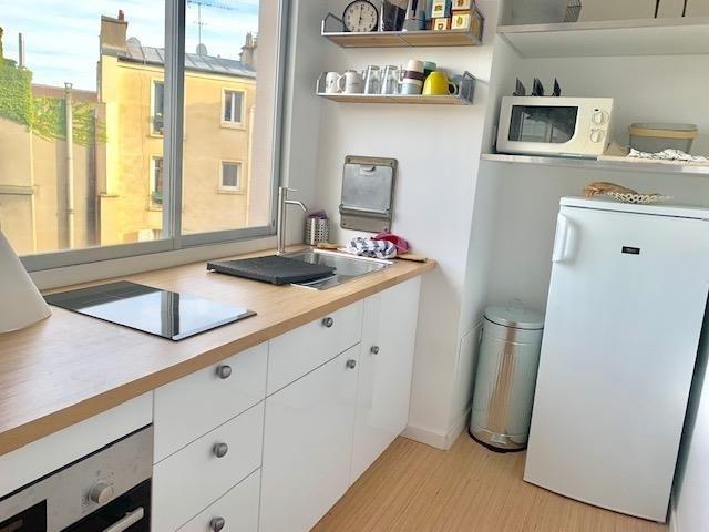 Locação apartamento Paris 18ème 1125€ CC - Fotografia 2