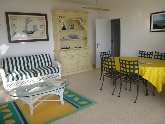 Vacation rental house / villa Cavalaire 2 800€ - Picture 13