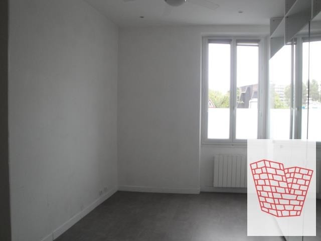 Sale apartment Courbevoie 489000€ - Picture 7