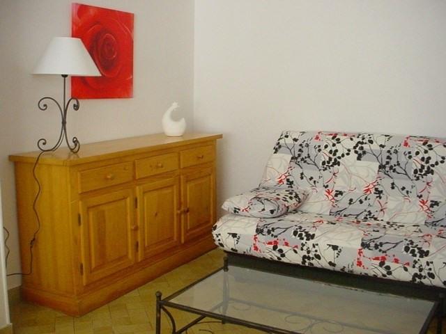 Location appartement Cognac 421€ CC - Photo 1