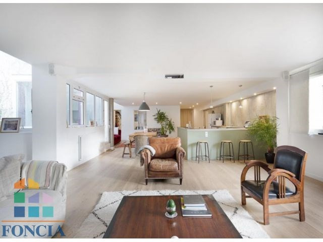Deluxe sale apartment Suresnes 895000€ - Picture 2