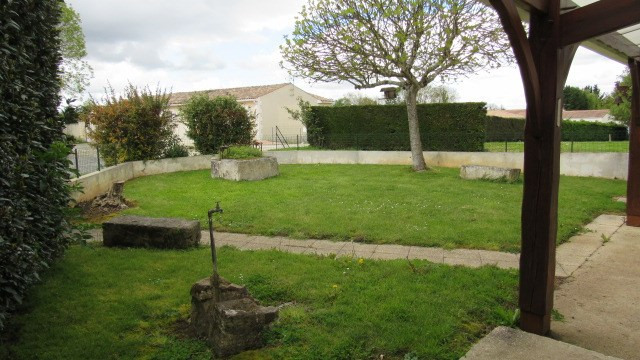 Sale house / villa Beurlay 190 800€ - Picture 2
