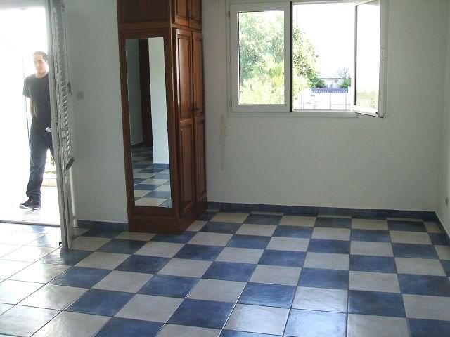 Location appartement St denis 414€ CC - Photo 2