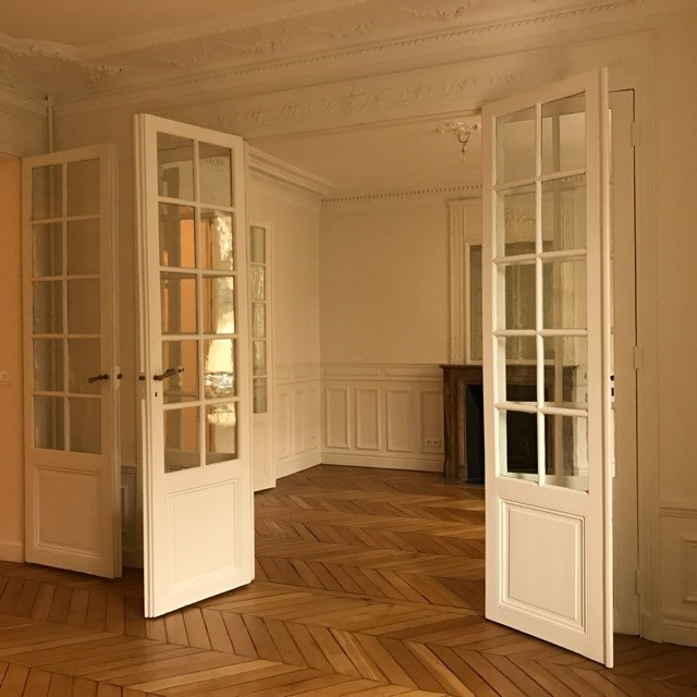 Location appartement Paris 18ème 2 410€ CC - Photo 3