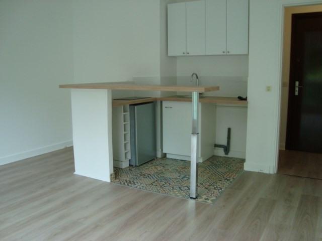 Alquiler  apartamento Louveciennes 750€ CC - Fotografía 2