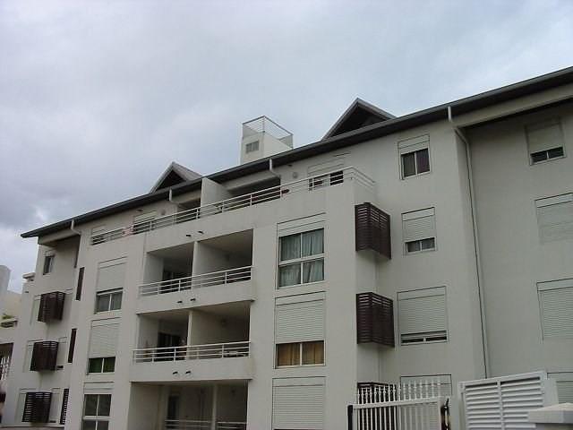Location appartement St denis 537€ CC - Photo 1