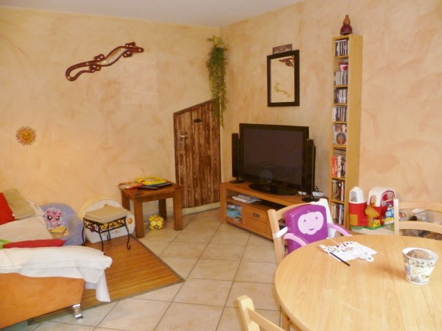 Location maison / villa Bourgoin jallieu 830€ CC - Photo 3