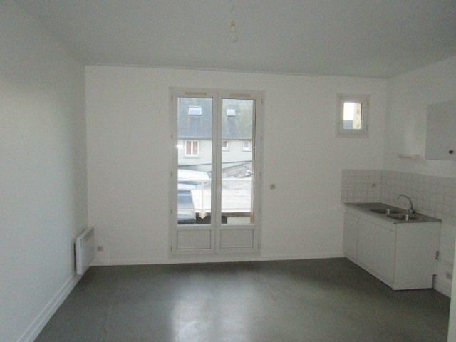 Location appartement St lo 378€ CC - Photo 3