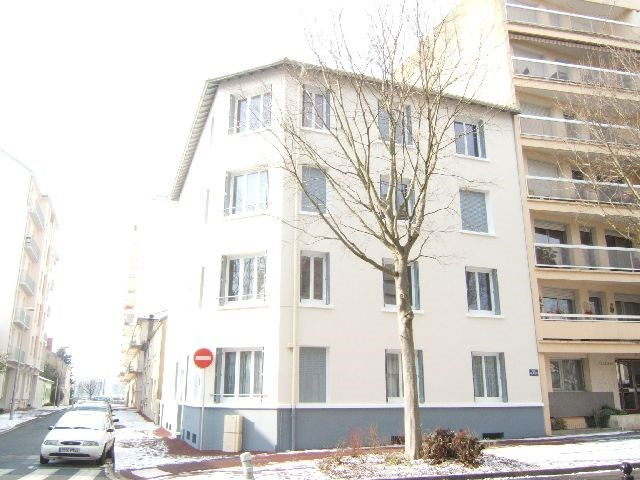 Rental apartment Vichy 430€ CC - Picture 1