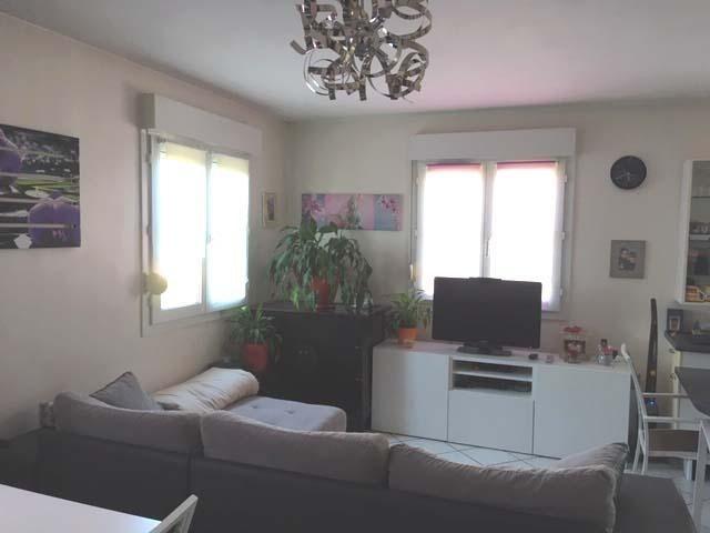 Rental apartment Villette d'anthon 720€ CC - Picture 2