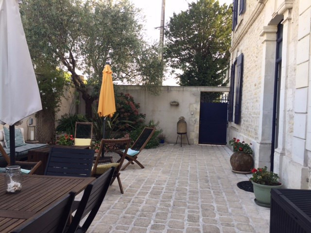 Rental house / villa La rochelle 1250€ CC - Picture 2