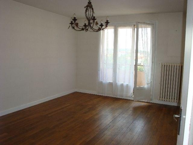 Rental apartment Decines 719€ CC - Picture 4