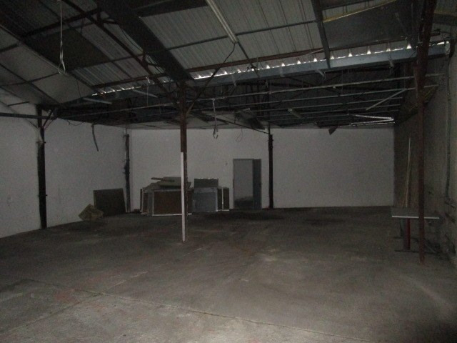 Location local commercial St lo 1 150€ CC - Photo 3