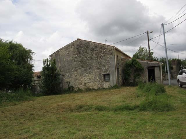 Vente maison / villa Tonnay boutonne 31950€ - Photo 1