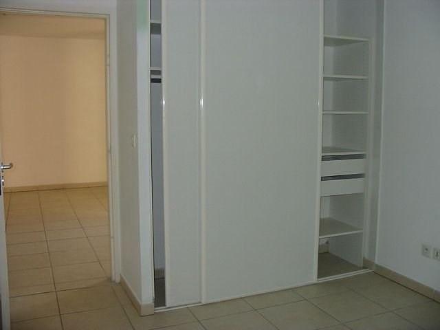 Location appartement St denis 801€ CC - Photo 2
