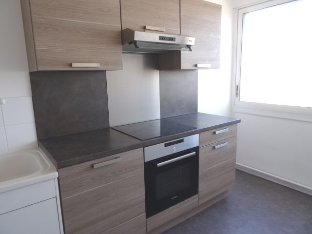 Location appartement Villefranche sur saone 611,42€ CC - Photo 2