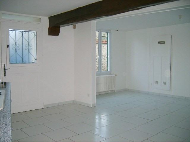 Location maison / villa Bennecourt 720€ CC - Photo 2
