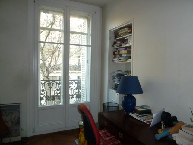 Sale apartment Paris 10ème 930 000€ - Picture 9