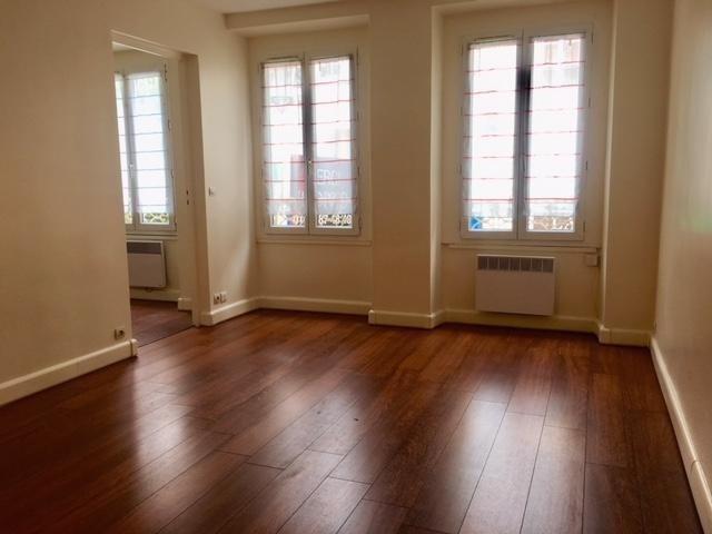 Location appartement Puteaux 920€ CC - Photo 2