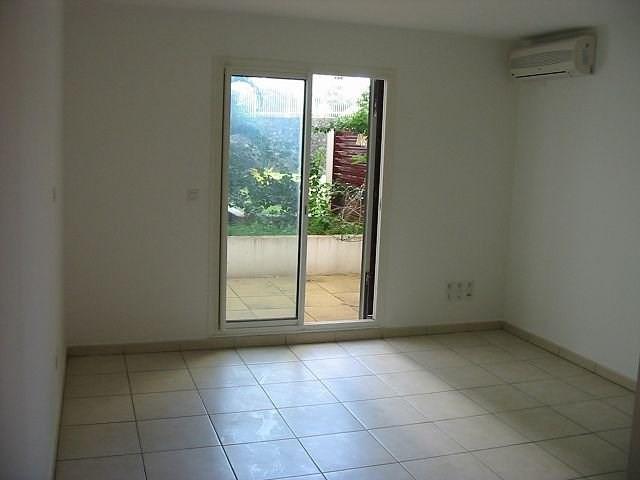 Location appartement St denis 356€ CC - Photo 2