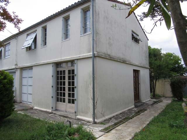 Sale house / villa Saint-jean-d'angély 80250€ - Picture 2