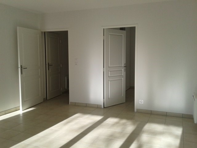Location appartement Fréjus 917€ CC - Photo 3