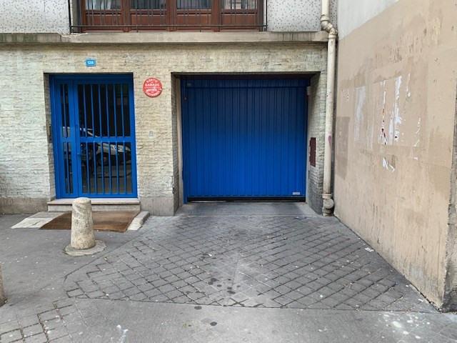 Location parking Paris 17ème 150€ CC - Photo 1