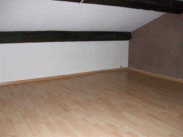 Location appartement Bully 800€ CC - Photo 3