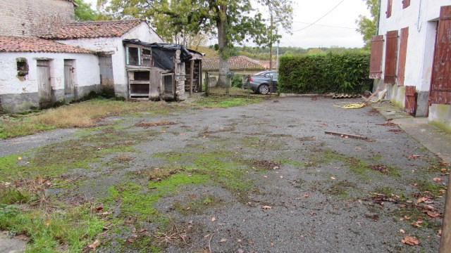 Vente maison / villa Saint-jean-d'angély 54000€ - Photo 3