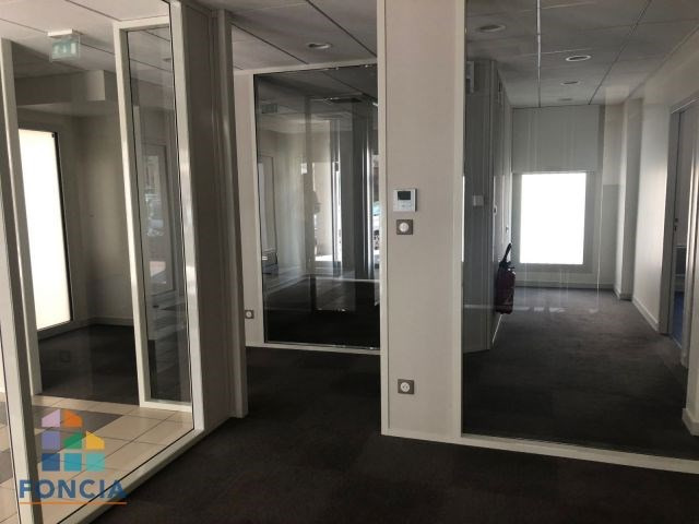 Location local commercial Firminy 675€ CC - Photo 2