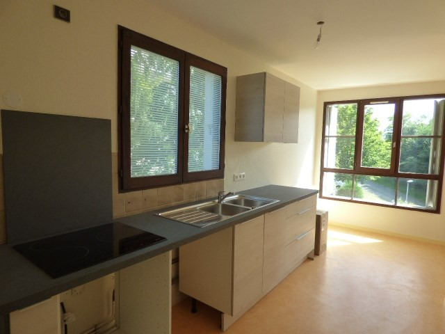 Rental apartment Chambery 720€ CC - Picture 2