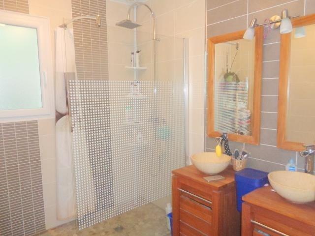 Sale house / villa St andre de cubzac 338000€ - Picture 10