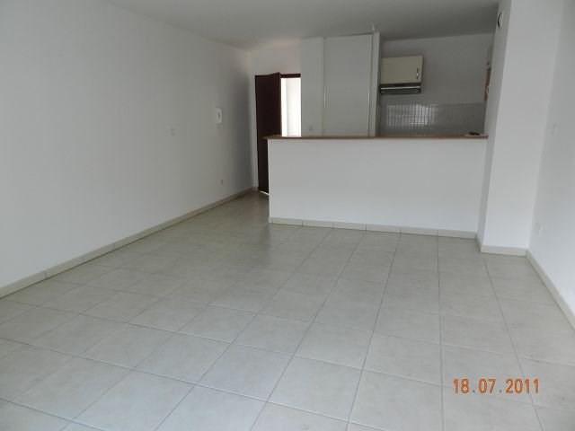 Location appartement St denis 577€ CC - Photo 2