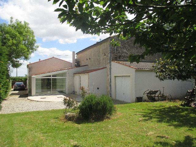 Vente maison / villa La vallée 279575€ - Photo 6