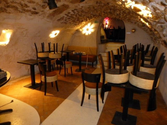 Location local commercial Versailles 1600€ HT/HC - Photo 2