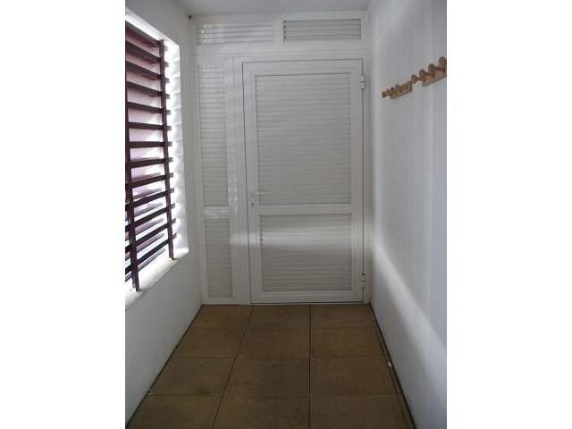 Location appartement Ste clotilde 586€ CC - Photo 3