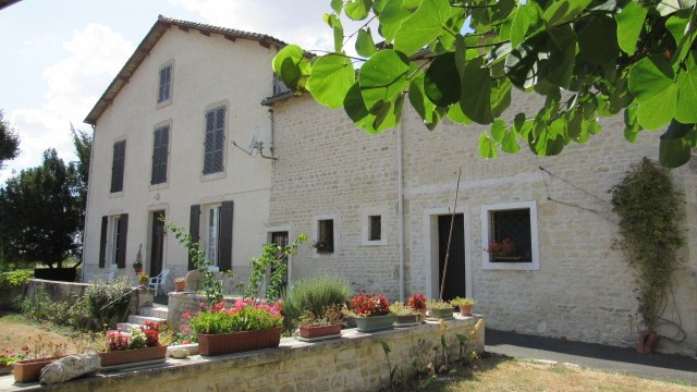 Vente maison / villa Loulay 222 600€ - Photo 1