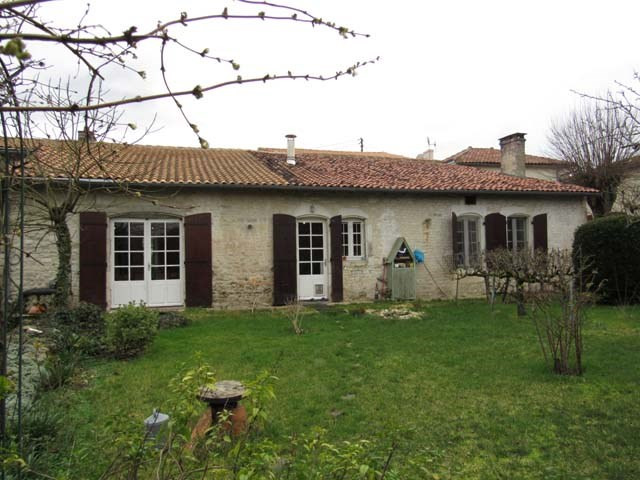 Vente maison / villa Saint jean d'angely 174 900€ - Photo 8