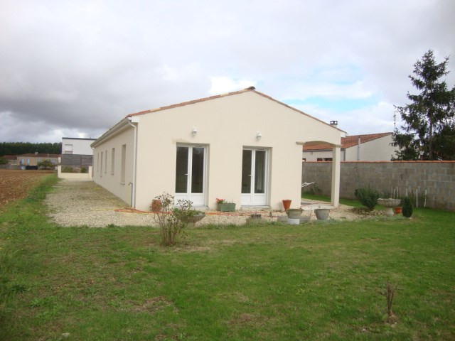 Sale house / villa Saint jean d'angely 159 000€ - Picture 5